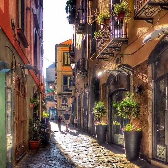 Via Mercanti Salerno centro storico